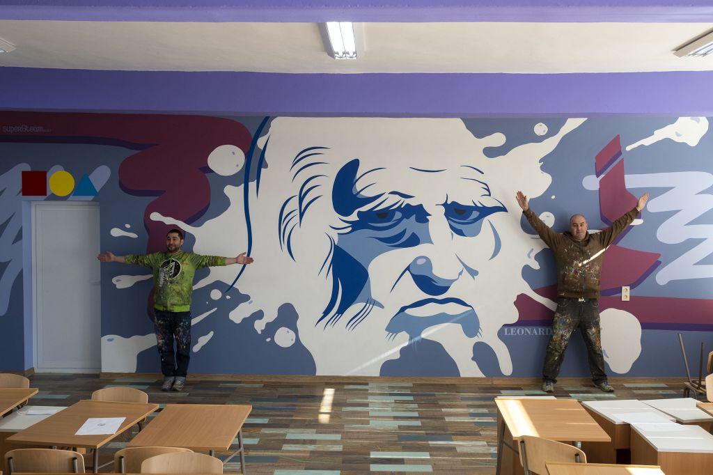 """Очаква се курсът по рисуване в ГСАГД""""Кольо Фичето"""" да  поднови занимания през февруари.Учениците ще творят в  неповторима арт-среда - голяма снимка"""