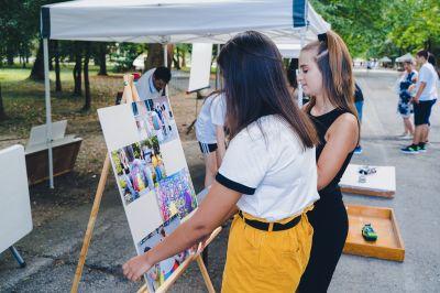 """Многобройни посетители не спестиха суперлативи за експозицията на ГСАГД """"Кольо Фичето"""" за  Международния ден на младежта - Изображение 7"""